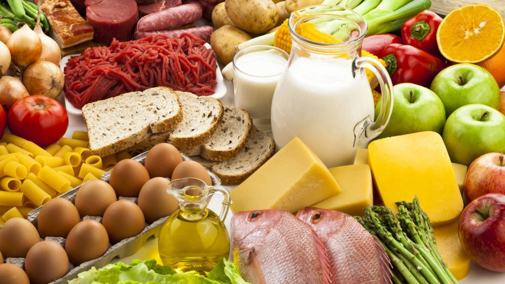 Distintos grupos de alimentos, todos con sus pros y contras
