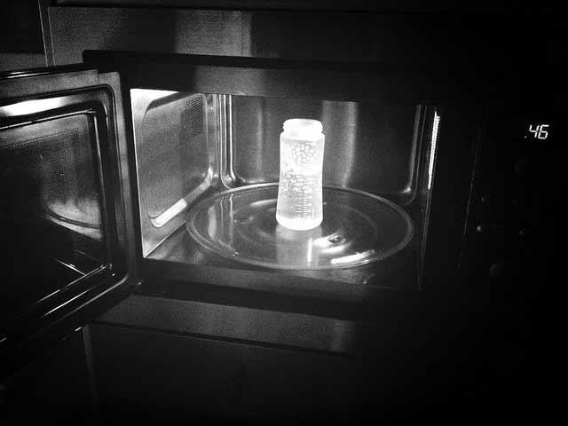 Plástico y microondas: la pareja más tóxica
