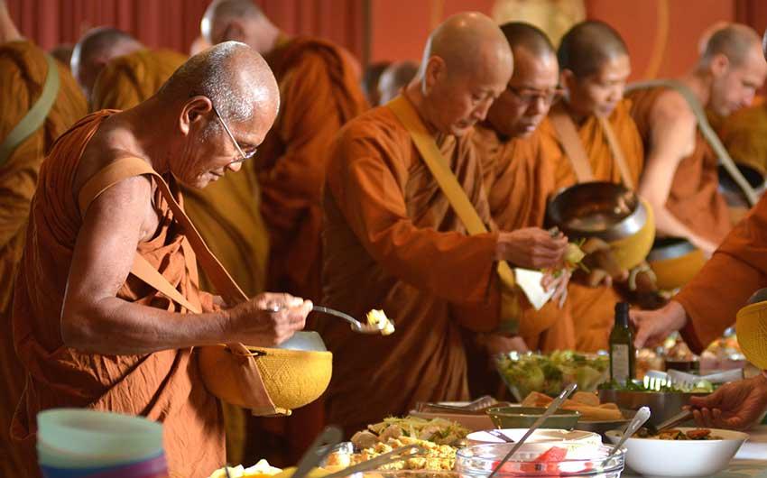 Los budistas también comen carne