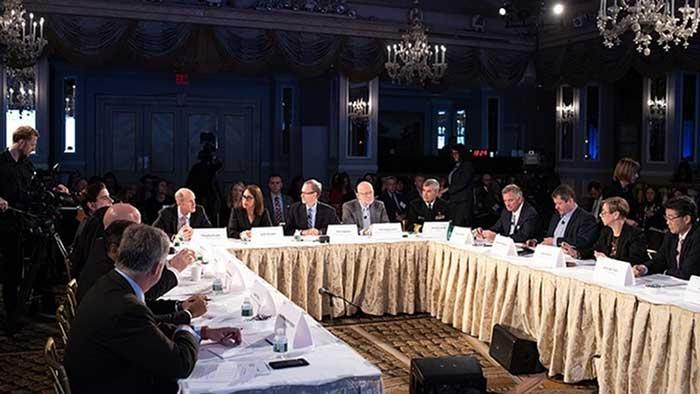Líderes mundiales en el Evento 201