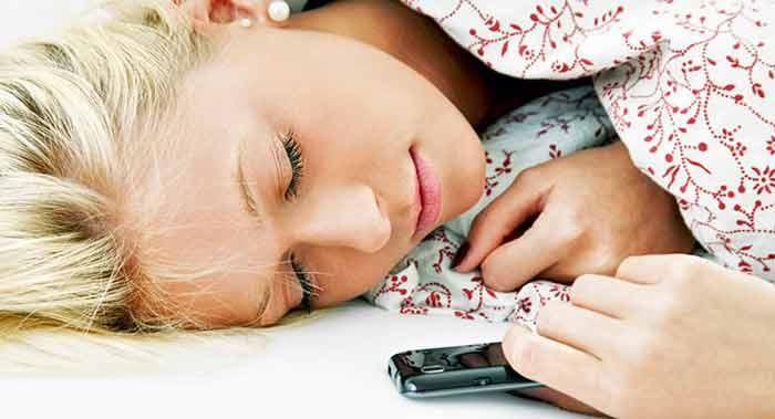 Electromagnetismo: Peligros de dormir con el móvil