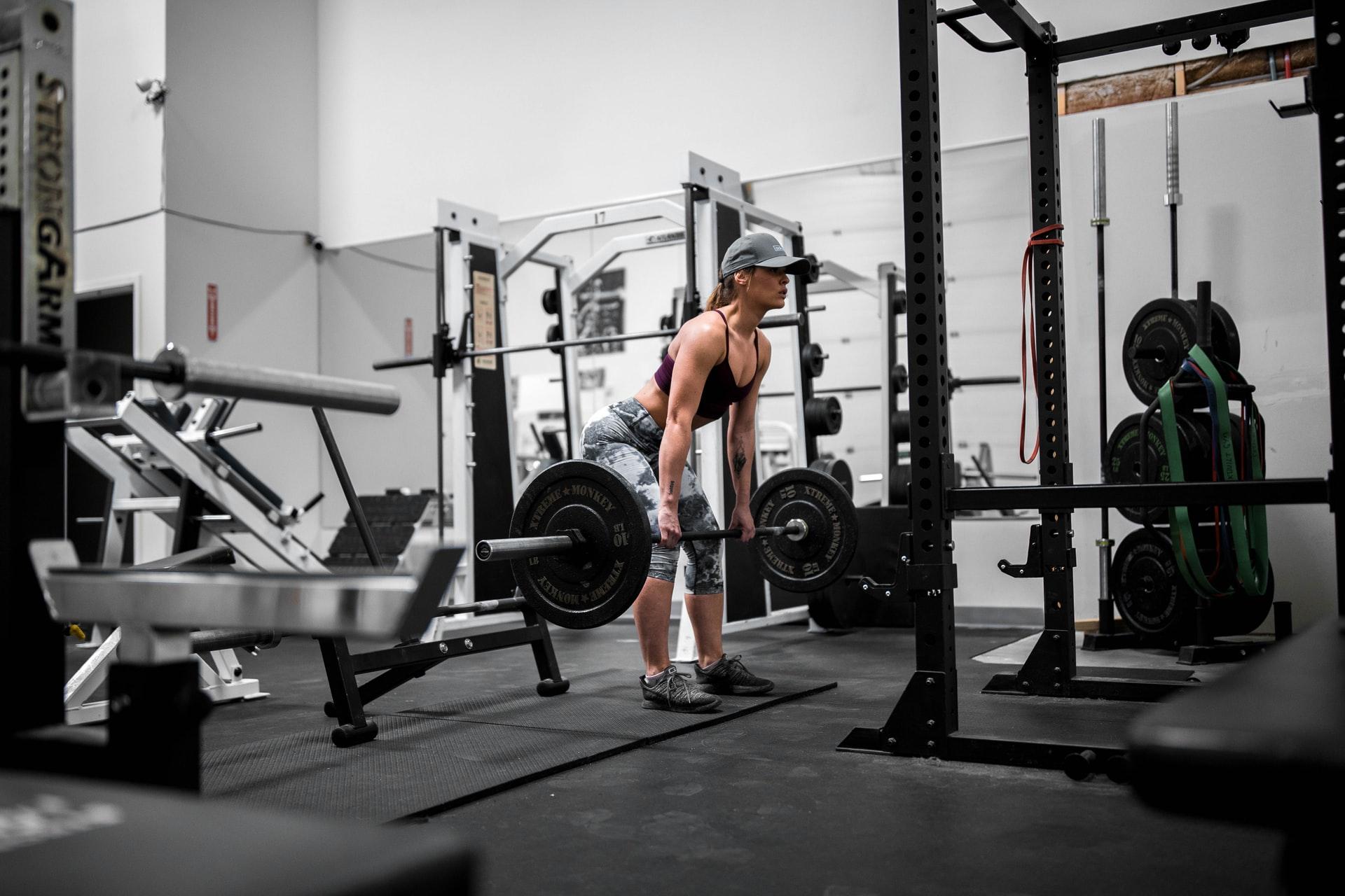 El peso muerto es uno de los grandes ejercicios para ganar fuerza
